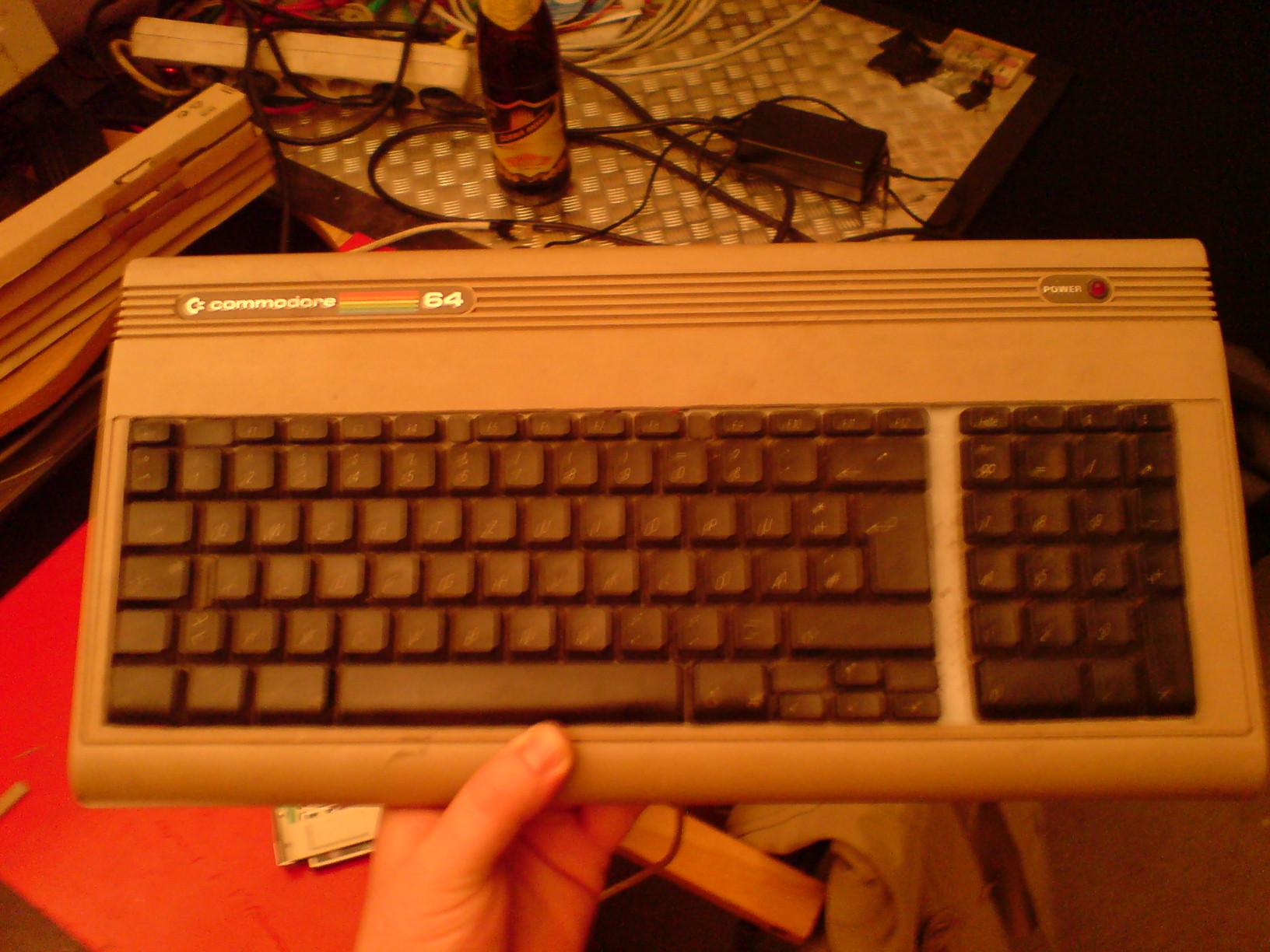 C64_tastatur_apple_eingebaut